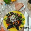 Вегетарианский салат с консервированной фасолью