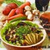 Салат с грибами и брусникой