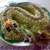 Вкусное и быстрое блюдо в форме змеи для Нового года