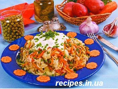 Салат из моркови и квашеной капусты