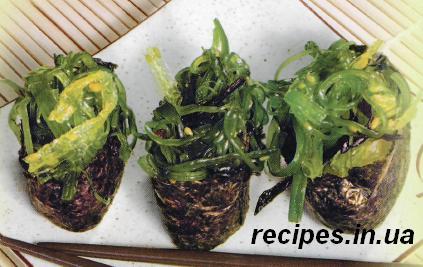 Суши с водорослями Чука и соусом Мирин