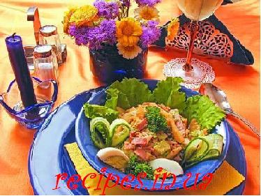 Салат из ветчины, картошки, моркови, огурца