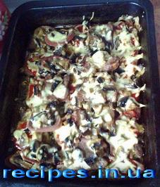 Говяжий зык с грибами и сыром