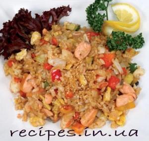 Рис с яйцом и морепродуктами