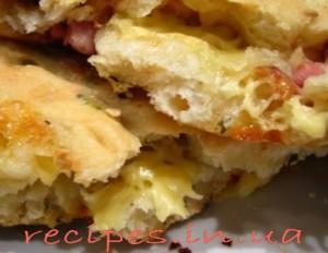 Рецепт фокаччи с сыром, помидором и курицей