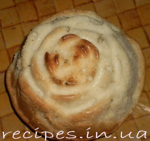 Бисквитик с изюмом и яблоком в форме роз