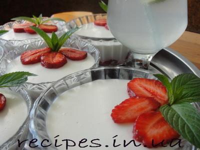 Рецепт быстрого десерта из клубники без выпечки