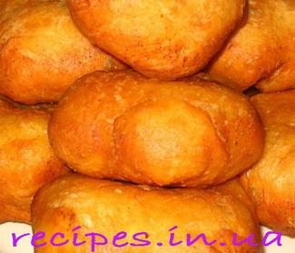 Жареные пирожки с капустой на сухих дрожжах