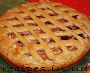 Сладкий открытый пирог с яблоками