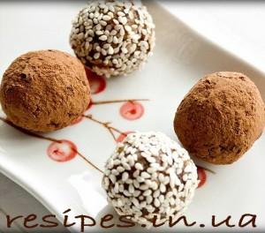 Домашние шоколадные конфеты с курагой и орехом